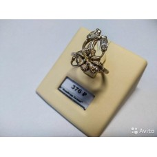 Серебряное колечко необычной формы с камнями